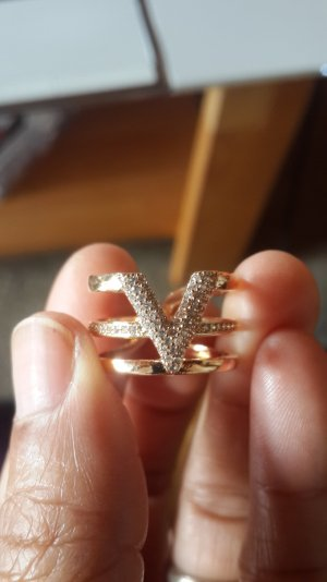 Luxus Letter V Strass Ringe justierbares