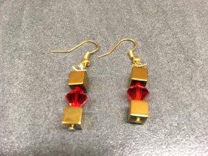 Luxus Ohrringe aus Hämatit Würfeln & Swarovski Crystals Red Magma
