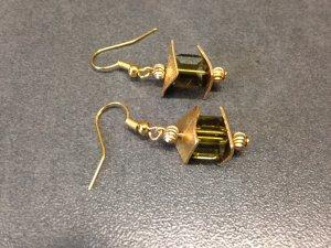 Luxus Ohrringe mit Swarovski Würfeln und gebogen Kupferscheiben