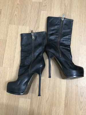 Yves Saint Laurent Platform Boots black