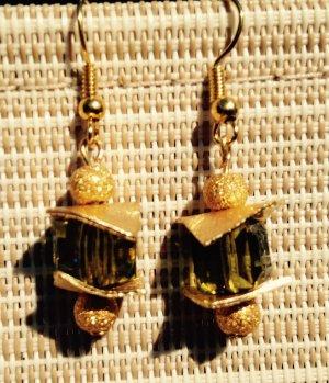 Luxus Würfel Ohrringe Ohrhänger in Gold und Olive mit Swarovski Crystal Cube
