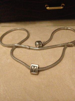 """""""M""""-Charm von Pandora"""