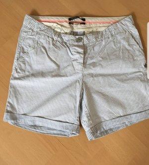 Mache bald Urlaub, jetzt zuschlagen :-) Letztes Angebot 7 €!! Maison Scotch blau weiß gestreift Shorts Gr. W29 - 38/40