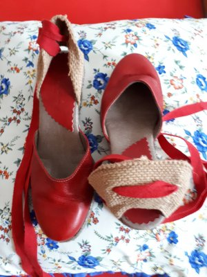 STR Spain Strapped High-Heeled Sandals red leather