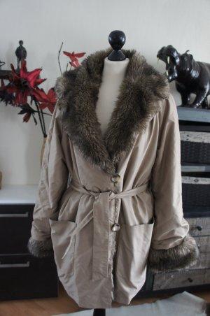 MADELEIN Jacke Größe 40 Mantel Pelzkragen FAKE FUR