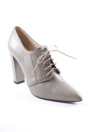 Madeleine Tacones con cordones marrón grisáceo look casual