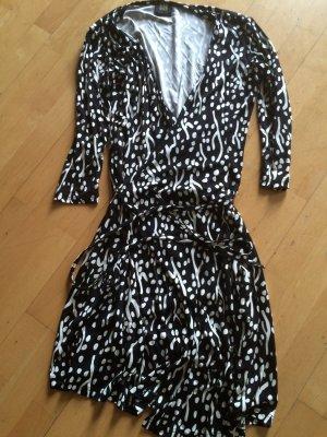 Madeleine Wraparound white-black silk