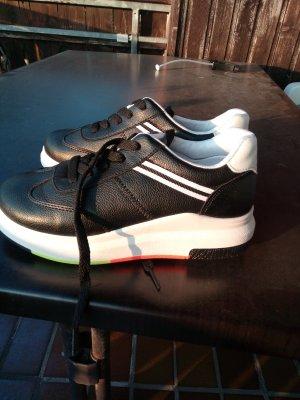 Sneaker con tacco bianco-nero