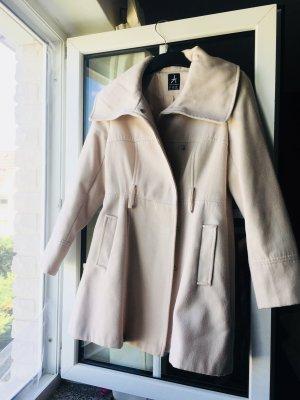 Abrigo corto crema