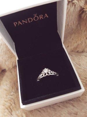 märchenhafte tiara ring von pandora