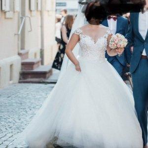 Märchenhaftes Brautkleid in Ivory