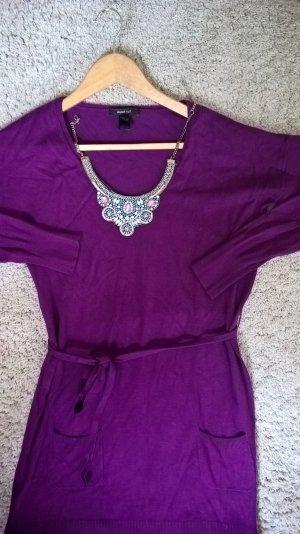 Magenta-Aubergine Kleid mit Bindegürtel im angemuteten Tunika-Style