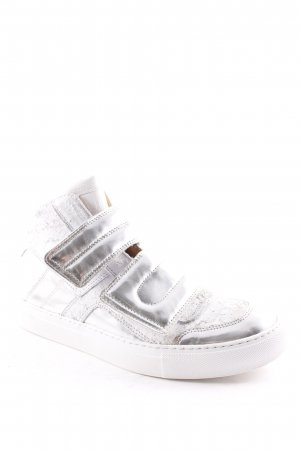 Maison Martin Margiela High Top Sneaker weiß-silberfarben Street-Fashion-Look