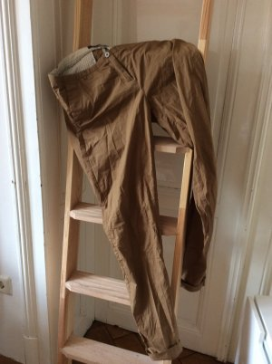 Maison Scotch Chino, goldbraun.