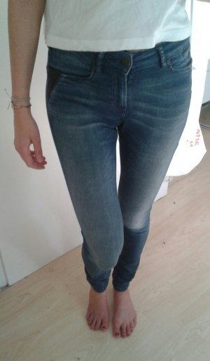 MAISON SCOTCH High-Waist Jeans mit Lederdetails