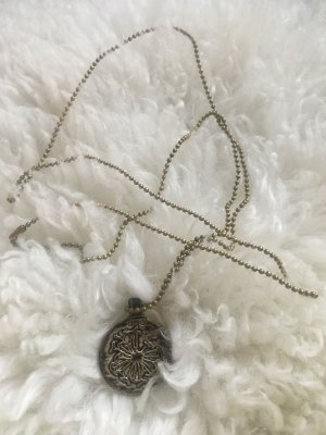 MAISON SCOTCH: Lange Kette * Logo-Amulett * Farbe Altgold * Metall
