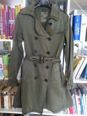 Maison Scotch Trenchcoat, khaki Street-Fashion-Look