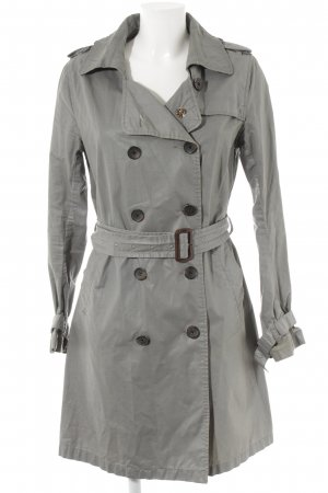 Maison Scotch Trenchcoat silberfarben Street-Fashion-Look