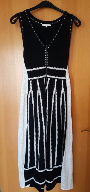 MAJE - extravagantes Kleid # Kombi aus Strick & BW Lochspitze