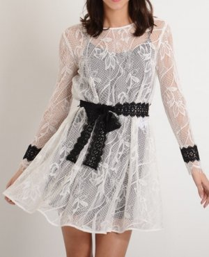 Maje Kleid Rogette Spitzenkleid Spitze sandro schwarz weiß Gürtel Bindeband NP 235 T3