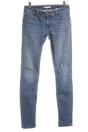 Maje Skinny Jeans kornblumenblau Street-Fashion-Look