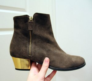 MAJE Stiefeletten Boots Oliv Khaki Gold-Absatz Gr. 41 Wildleder