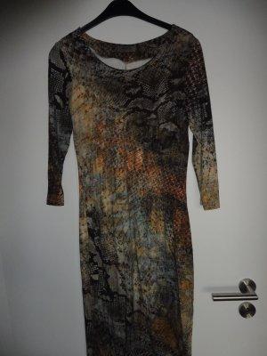 Malvin Kleid in einem ansprechend Printlook