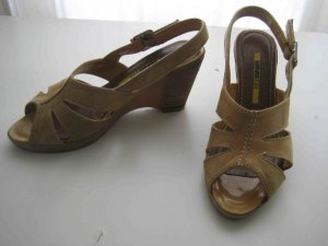 Manas Wedge Sandals sand brown