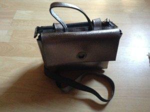 Mandarina Duck Tasche: silber-metallic, neu, zwei Fächer, Griff, Trageriemen