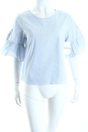 Mango Bluse hellblau-weiß Streifenmuster Street-Fashion-Look
