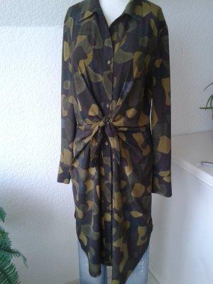 MANGO Camouflage Wickelblusenkleid.