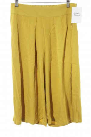 Mango Culottes dunkelgelb Street-Fashion-Look