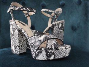 MANGO High Heels Sandaletten mit Schlangenmuster