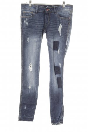 Mango Hüftjeans blau Street-Fashion-Look