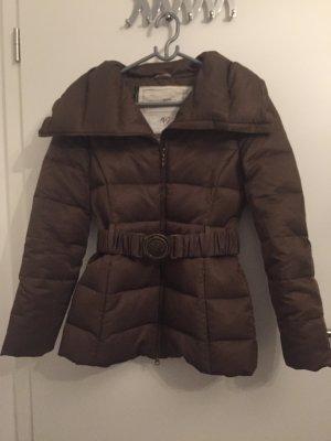 Mango Jacke mit extra warmen Kragen für den Winter, Daunen und Gürtel, Größe xs