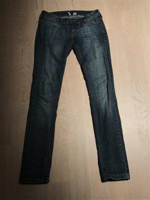 Mango-Jeans in dunkelblauem Deinem