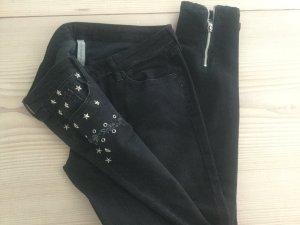 Mango Jeans in schwarz Gr. 40 mit Sternen und Reißverschluss hinten, Destroyed Jeans