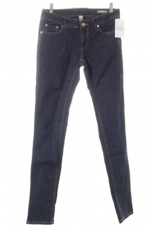 Mango Jeans Slim Jeans dunkelblau Street-Fashion-Look