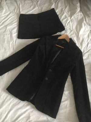 Mango Kostüm aus Samt schwarz, Größe 40