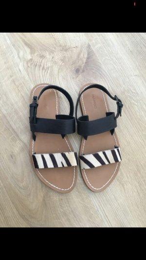 Mango Comfortabele sandalen zwart