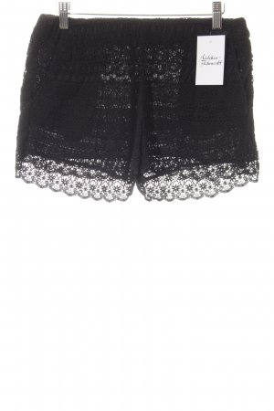Mango Shorts schwarz Street-Fashion-Look