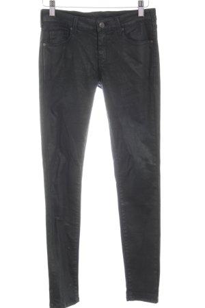 Mango Skinny Jeans schwarz Street-Fashion-Look