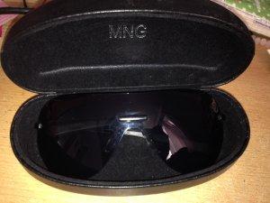 Mango Sonnenbrille komplett schwarz