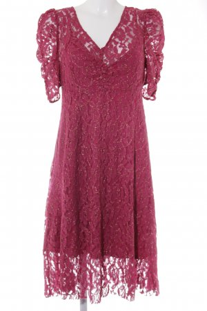 Mango Spitzenkleid pink-goldfarben florales Muster Street-Fashion-Look