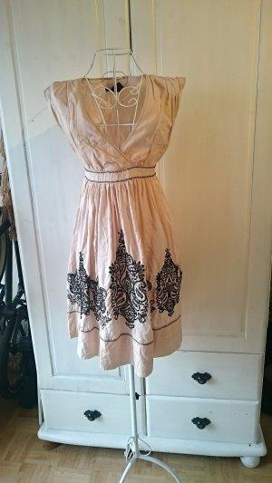 Mango SUIT Kleid mit Stickerei Sommerkleid Vintage Look