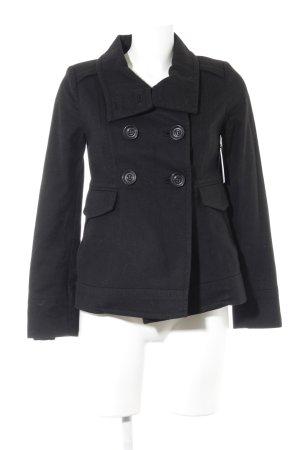 Mango Suit Abrigo corto negro look casual
