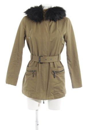 Mango Suit Steppjacke olivgrün-schwarz Street-Fashion-Look