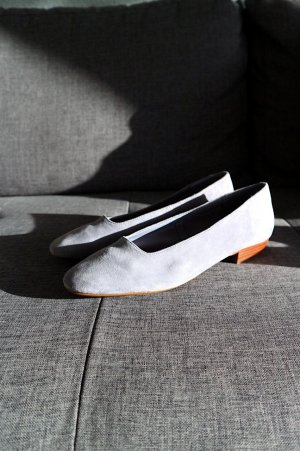 Mango Wildleder Flats Hellblau Clean Chic Vintage Minimalist Cosy Pastell