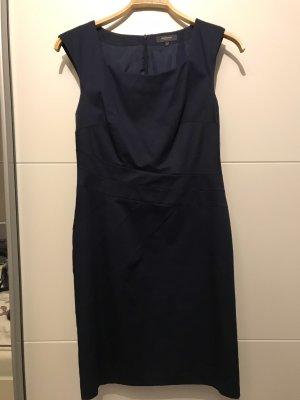 Manguun Etui-Kleid in Dunkelblau