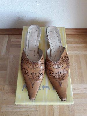 Mania. Schuhe. beige.